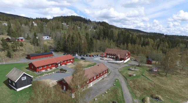 Oversikt tunet Camp Sjusjøen